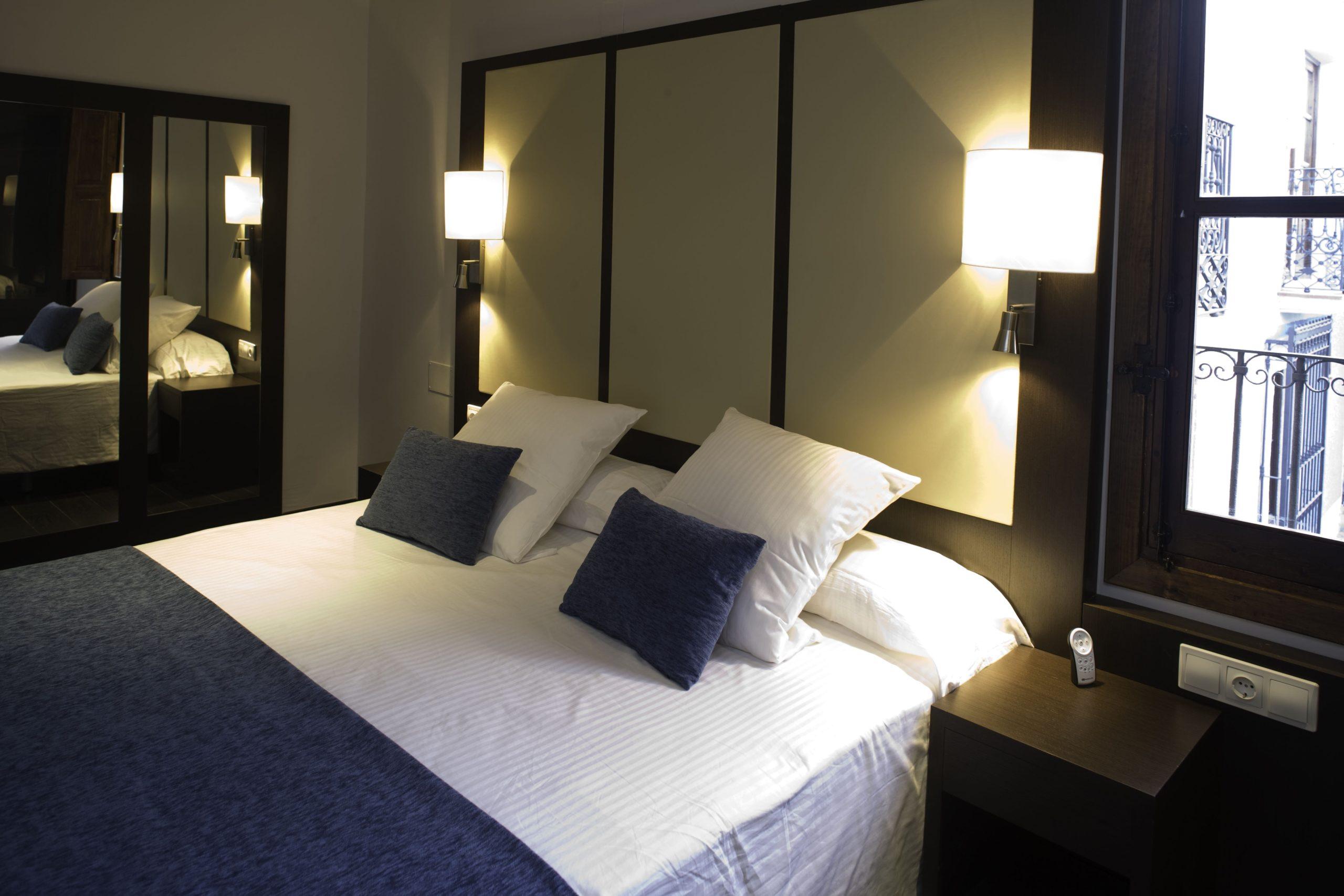 Apartamentos-y-suites-acantilado12