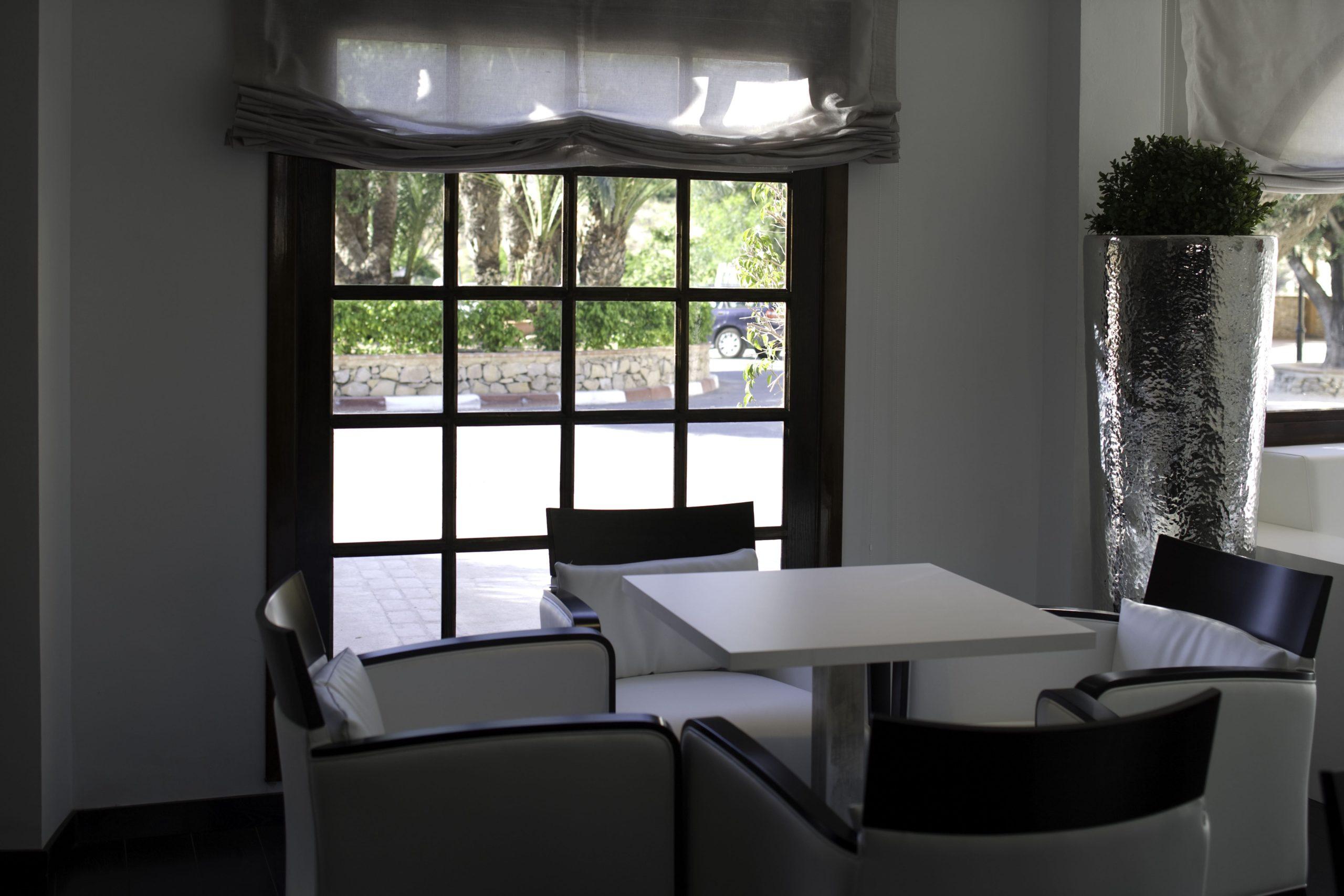 Apartamentos-y-suites-acantilado4